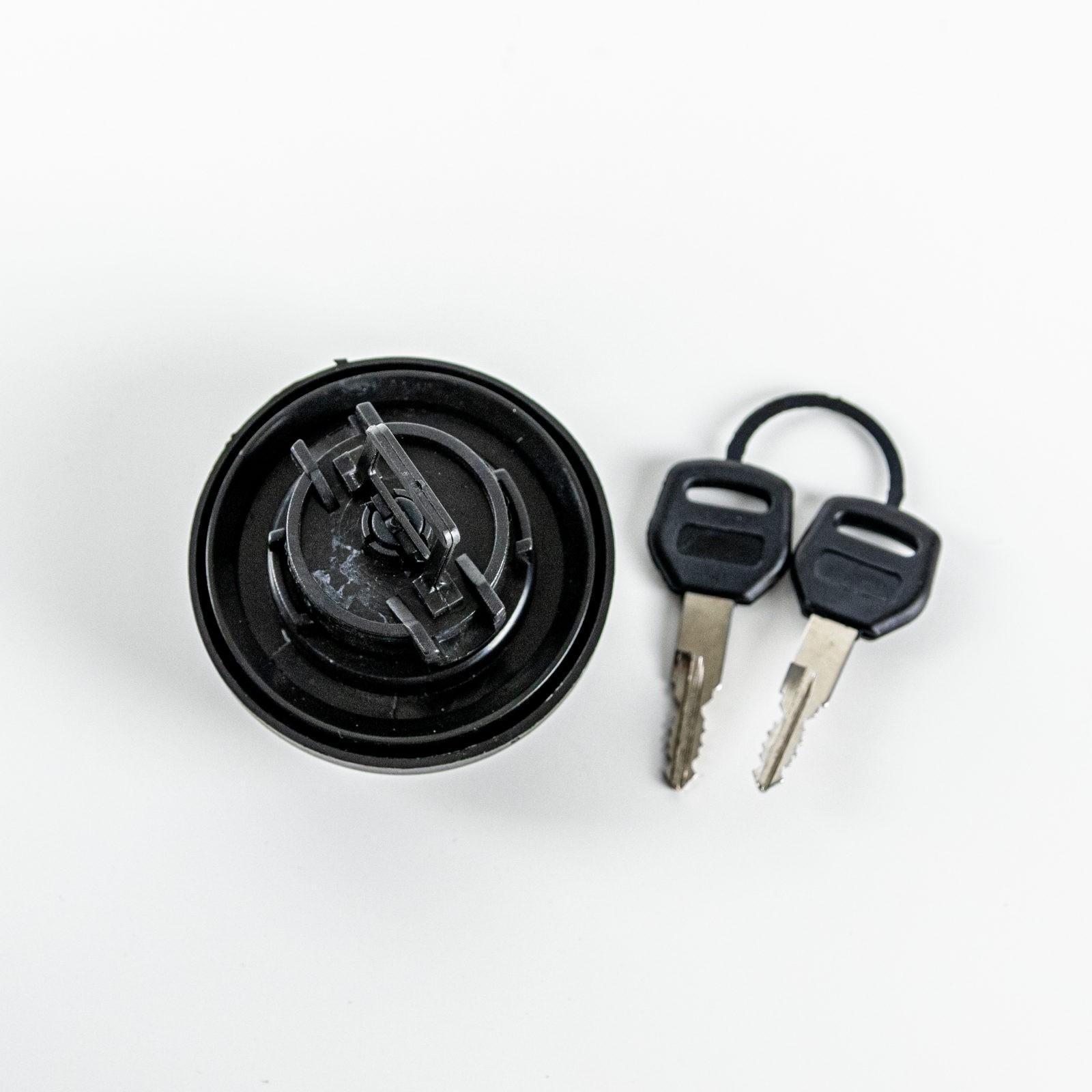 Крышка пробка бензобака с ключом
