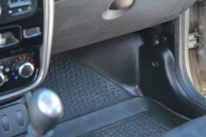 Накладки на ковролин передние Рено Дастер I Рейсталинг с 2015 г.в.