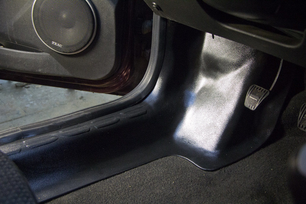 Накладки на ковролин передние (2 шт.) Лада Гранта седан с 2011 г.в.