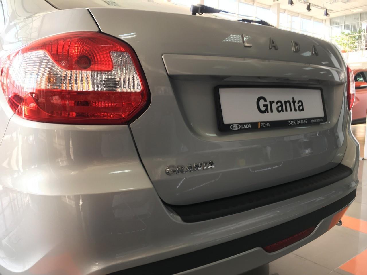 Накладка на задний бампер Лада Гранта лифтбек I Рестайлинг с 2018 г.в.