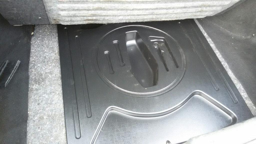 Полный порядок: органайзер в багажнике LADA Granta