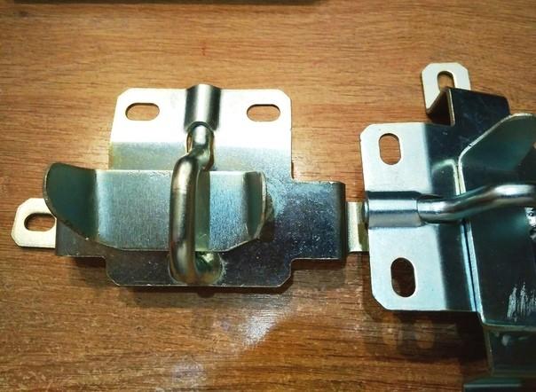 Ответная часть замка багажника Lada 21213