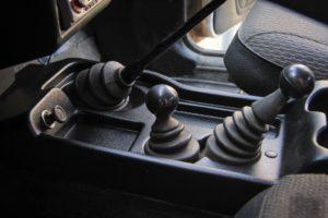 Детали отделки салона: «улучшайзинг» для рычага коробки передач